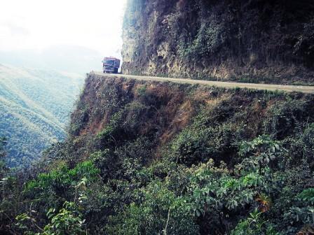 A legveszélyesebb út - Yungas Road (Death Road), Bolívia
