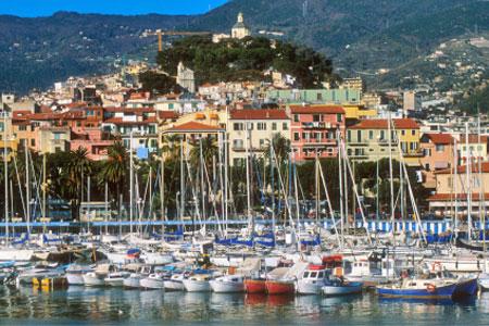utazás lakóautóval kezdetek - San Remo, kikötő