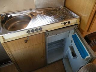lakóautós fotók - a mi lakóautónk, kompakt konyha