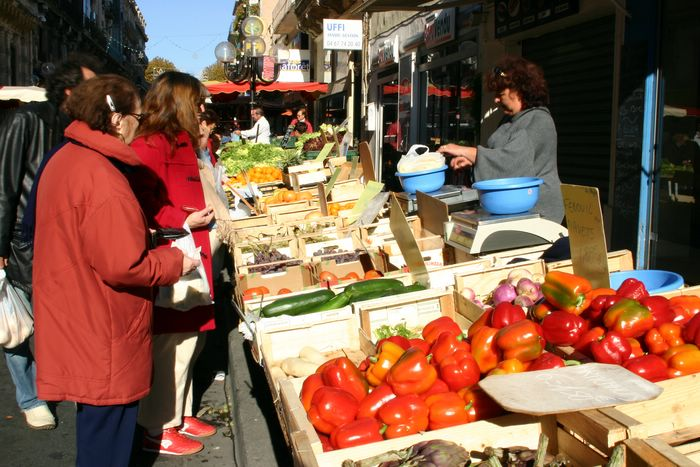 Utazás lakóautóval Béziers - Sete, piac