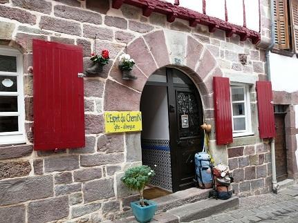 El Camino - Saint-jean-Pied-de-Port, zarándok iroda