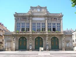 Utazás lakóautóval Béziers színház