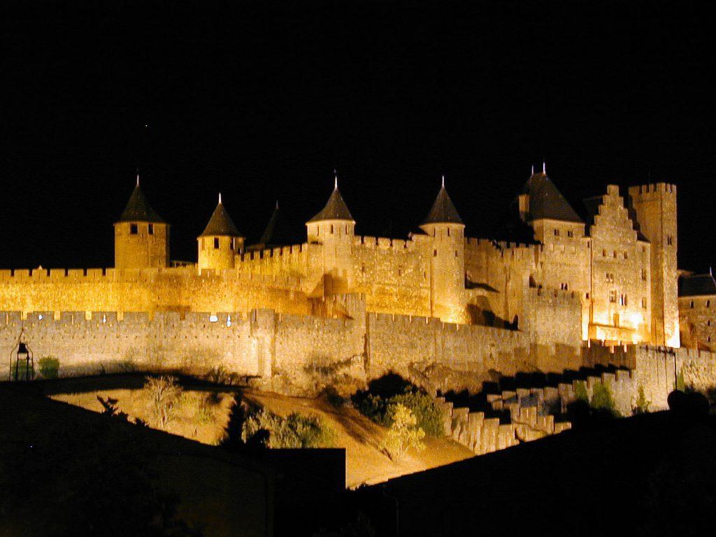 Utazás lakóautóval Carcassonne - éjjel