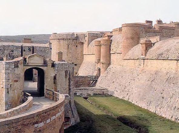 Úton Spanyolország felé - Sales Le Chateau közelről