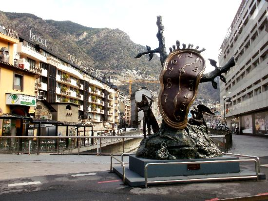 Andorra la Vella - noblesse du temps dali