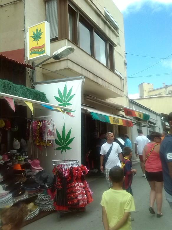 bikaviadal bikafuttatás - Le Perthus, cannabis